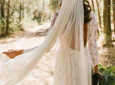 vestido vintage de encaje con velo largo
