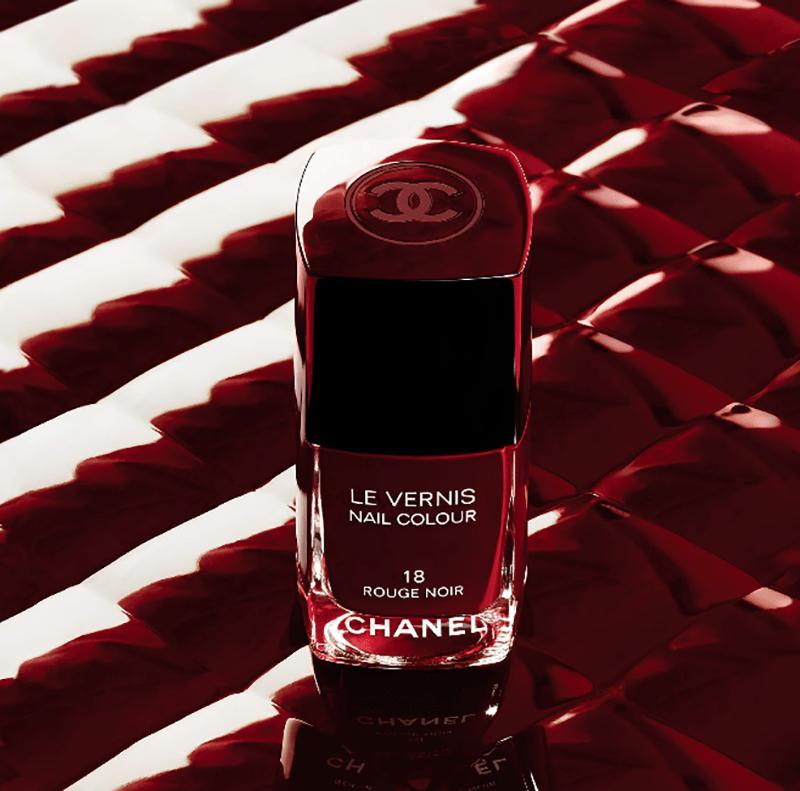 make up, rouge noir esmalte