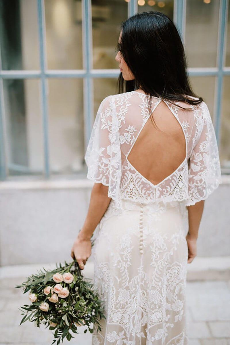 vestido vintage con escote medio en la espalda
