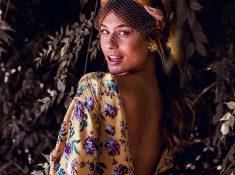 La invitada ideal, vestido flores mostaza